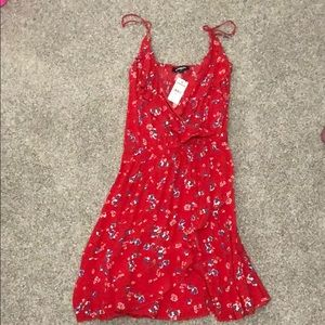 Express NWT XS Red floral print ruffle dress